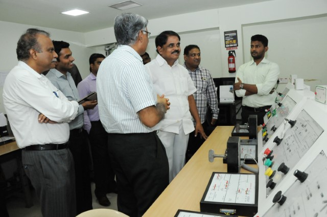 P Raghunadha Reddy (AP - IT Minister) Visiting Efftronics 2016